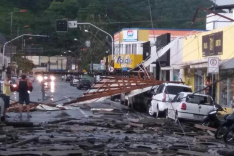 Temporal en Brasil: las fuertes lluvias causaron estragos en San Francisco do Sul, norte de Santa Catarina