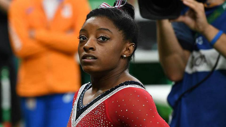 Condenan al médico de la selección de gimnasia de EE. UU. por abuso sexual a más de 100 atletas