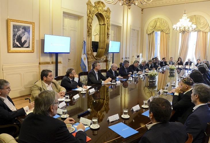 El Presidente encabeza su primera reunión de Gabinete del año
