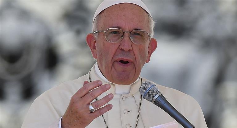 """El lunes, Francisco enviará """"importante mensaje"""" a la Argentina cuando sobrevuele el país rumbo a Chile"""