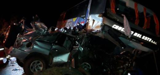 """Grave accidente en Paraguay dejó dos muertos y heridos: """"Quedé en shock, veníamos despacio"""", relató una pasajera"""