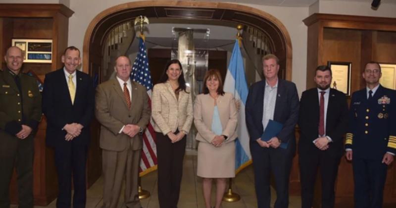 Patricia Bullrich confirmó que se trabajará con Estados Unidos en el paso fronterizo Posadas-Encarnación para combatir el narcotráfico