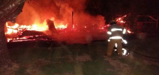 Eldorado: incendio consumió una vivienda en el barrio Independencia