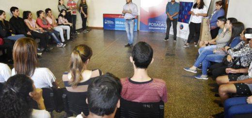 Más de 500 jóvenes comenzaron los talleres de la Oficina Municipal de Empleo de Posadas