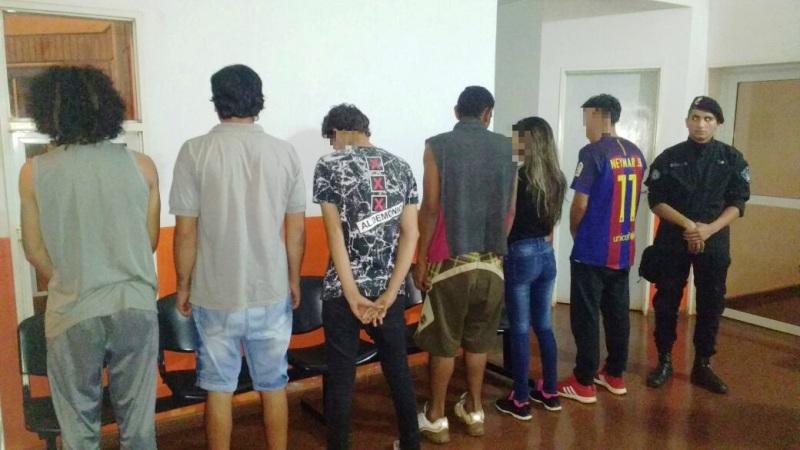 Detuvieron a seis jóvenes que atemorizaban a vecinos del barrio Mirador en Puerto Rico