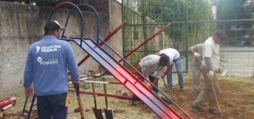 La Municipalidad de Posadas instaló juegos infantiles en la plaza del barrio Tajamar