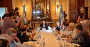 Gobernador Valdés recibió a forestoindustriales correntinos para avanzar en políticas planteadas por Macri