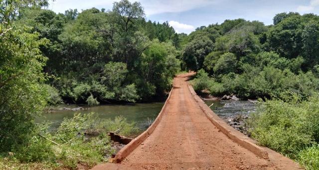 Eldorado: habilitaron nuevamente el cruce de camiones por el puente Faubel del Piray Miní