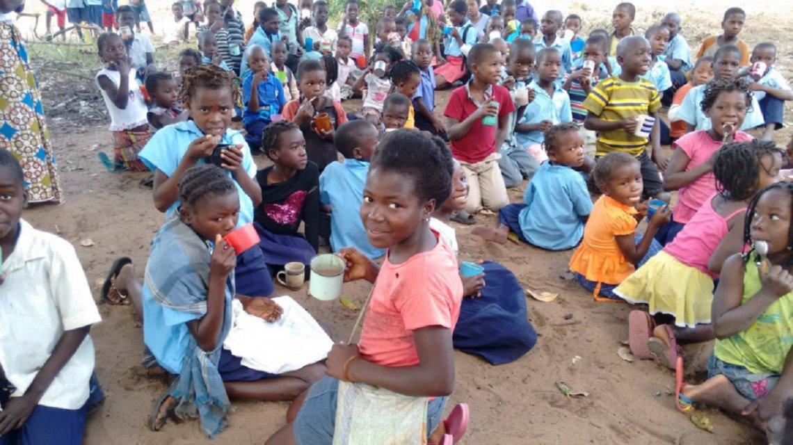 Messi solidario: su fundación ayuda a paliar el hambre de 15.000 niños en Mozambique