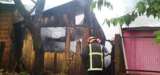 Un incendio consumió por completo una vivienda en Posadas
