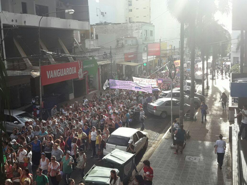 8M: Se realizó la marcha en Posadas con una masiva concurrencia de personas