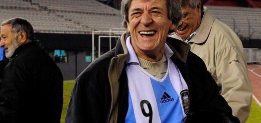 """Duelo en el fútbol nacional: murió el """"Loco"""" Houseman"""
