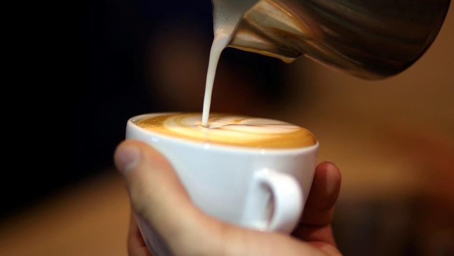 Un juez ordenó que las cafeterías adviertan a sus clientes sobre el riesgo de cáncer en California