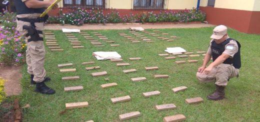 Canoeros trajeron casi 75 kilos de marihuana desde Paraguay y huyeron al ser descubiertos por la PNA