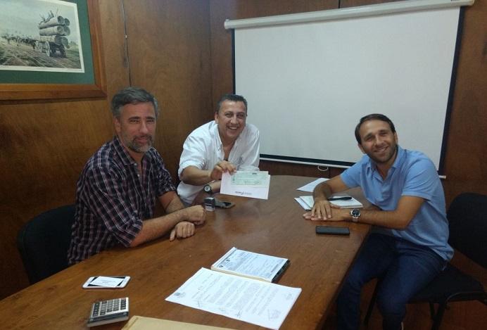 El ministerio de Deportes entregó recursos a la  Federación Misionera de Básquetbol