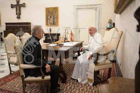 Monseñor Juan Rubén Martínez, obispo de Posadas se reunió a solas con Francisco