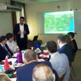 El Gobernador Passalacqua destacó la fuerte inversión en el sector forestal de la empresa ARCOR