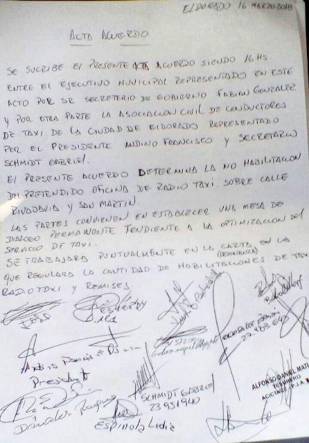 Eldorado: Taxistas cortaron la avenida por desacuerdo con el municipio en habilitación de otras agencias