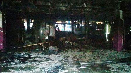 El incendio en la Municipalidad de Encarnación habría sido intencional tras el robo de 300 millones de guaraníes