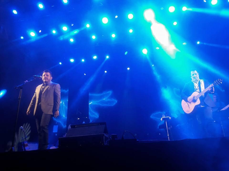 Espectacular presentación del dúo brasileño Bruno e Marrone en el Casino Iguazú