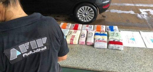 Detienen en Iguazú a dos brasileños que pretendían ingresar desde Foz ocho kilos y medio de cocaína