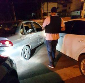 Tras persecución y choque capturaron a delincuente que intentó huir en un auto robado