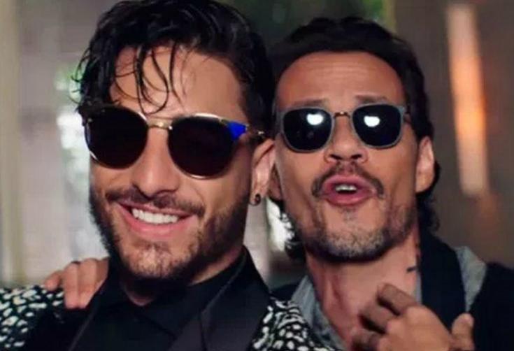 Marc Anthony besó a Maluma en la boca y el video es viral