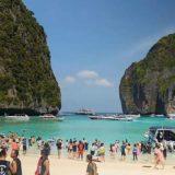 Tailandia: Buscan contrarreloj a los 12 chicos atrapados en una cueva