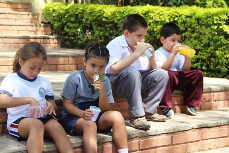Vuelta a clases: opciones de refrigerios prácticos y saludables para que los niños lleven al colegio