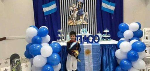 El pequeño granadero: Thiago eligió a San Martín como temática para su cumpleaños