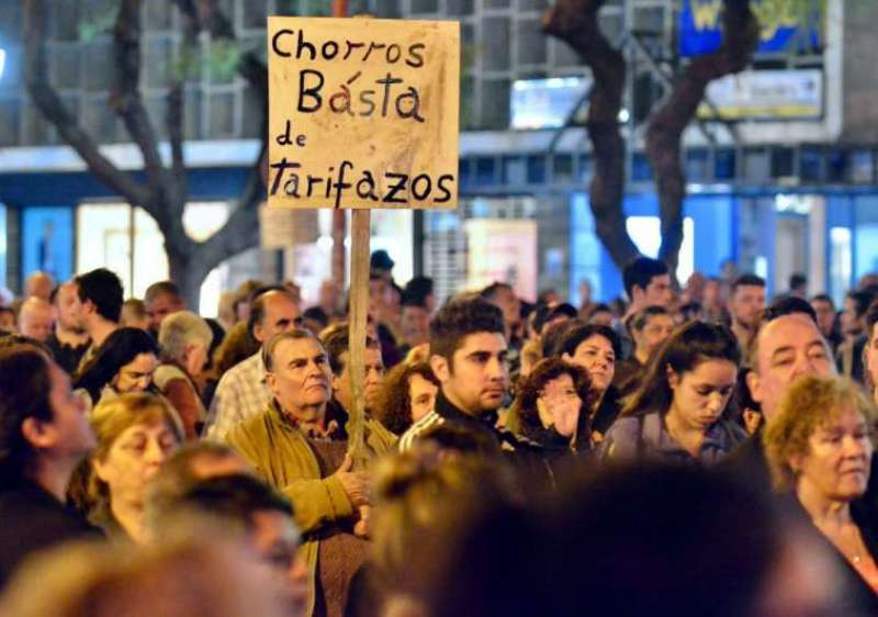 Realizaron un «ruidazo» nacional, con protestas y cacerolazos contra la suba de tarifas