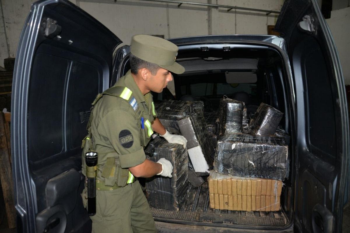 Operativo Pascuas: Gendarmería incautó casi 700 kilos de marihuana en Corrientes
