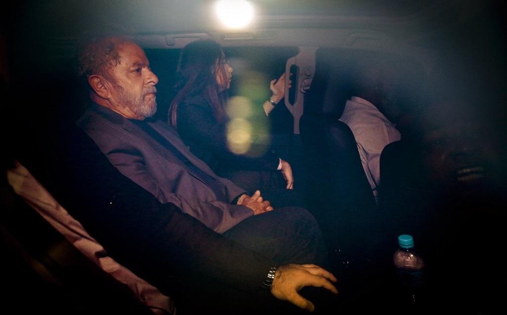 Según un sondeo, Lula aún domina el escenario electoral después de preso