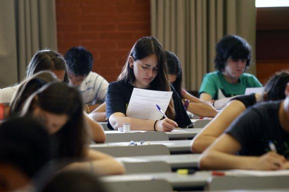 UNaM promocionará becas para estudiantes, investigadores y profesores