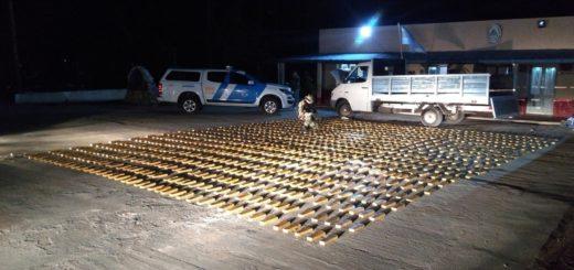 Detienen en Itá Ibaté a dos narcos que iban con 519 kilos de marihuana en un camión
