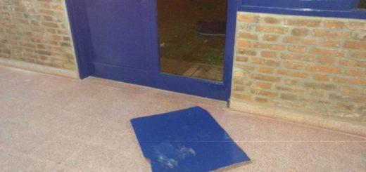 Atraparon a tres jovencitos cuanto intentaban robar en una escuela en Garupá