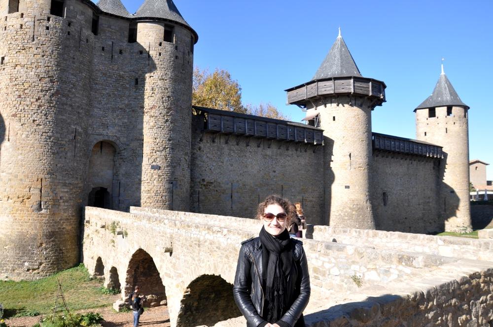 Visitando la ciudad histórica fortificada de Carcassonne, en el sur de Francia