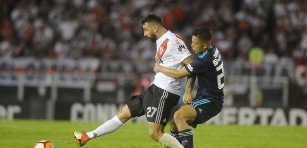 River derrotó a Emelec y se acercó a los octavos de final de la Copa Libertadores