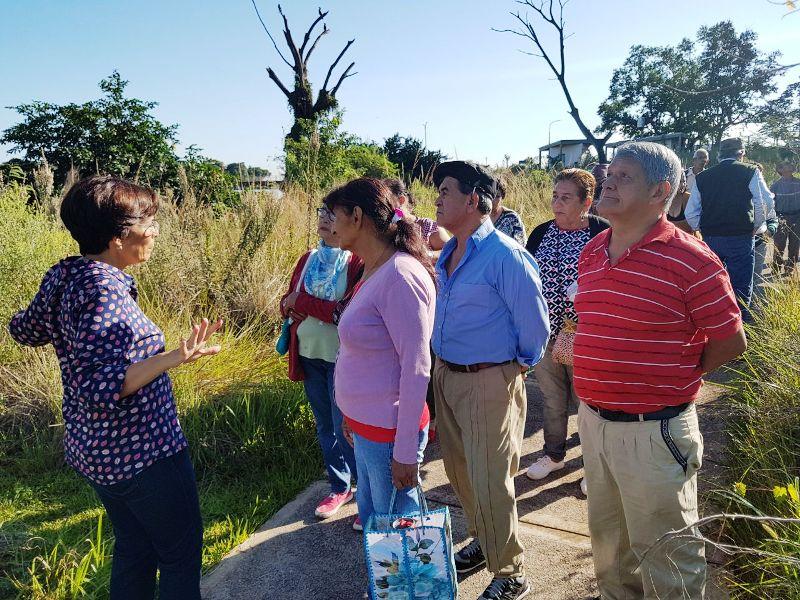 Adultos mayores del PAMI conocen la reserva urbana del arroyo Itá