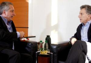 Macri llega a Misiones para encabezar la cuarta reunión de trabajo con la Mesa de Competitividad de la Cadena Foresto-industrial