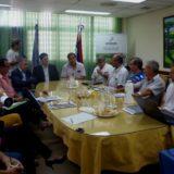"""Gobernador Valdés: """"el futuro de Corrientes está dado en la industrialización de la madera"""""""