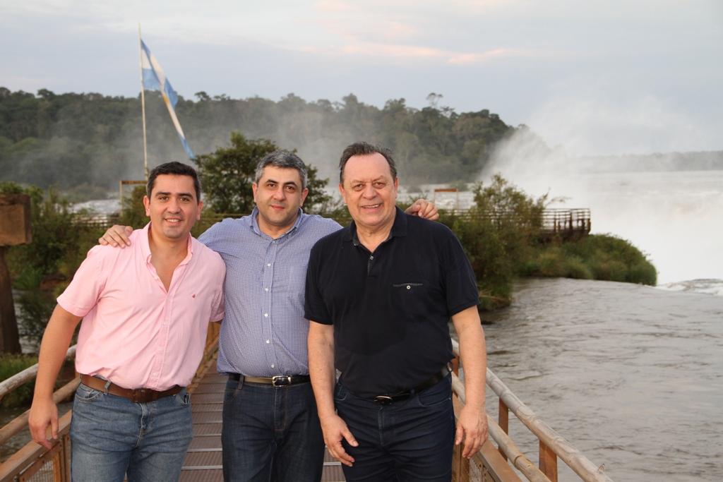 El secretario de la Organización Mundial de Turismo destacó que «las Cataratas son un lugar único en el mundo»