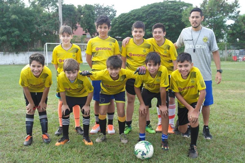 Exitoso encuentro de fútbol infantil organizado por el club del Iprodha