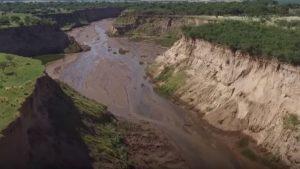 Sorprende el caso del río argentino que apareció de la noche a la mañana