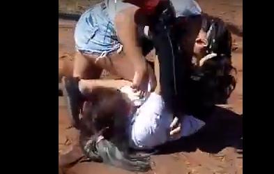 Video: violenta pelea entre dos alumnas en Puerto Iguazú
