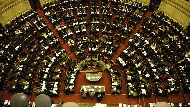Diputados debatían el aborto y los votos se contaban de a uno