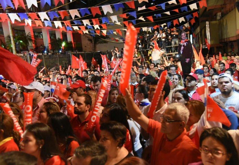 Elecciones en Paraguay: con más del 90% de las mesas escrutadas, Abdo Benítez le saca cuatro puntos de ventaja a Alegre