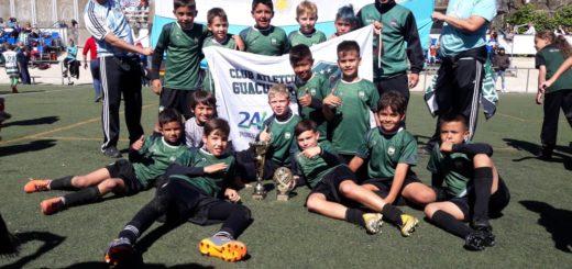 Volvieron a Misiones los chicos de Guacurarí que hicieron historia en la tierra de Messi