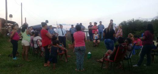 Los vecinos del barrio Néstor Kirchner se reunieron con la Policía