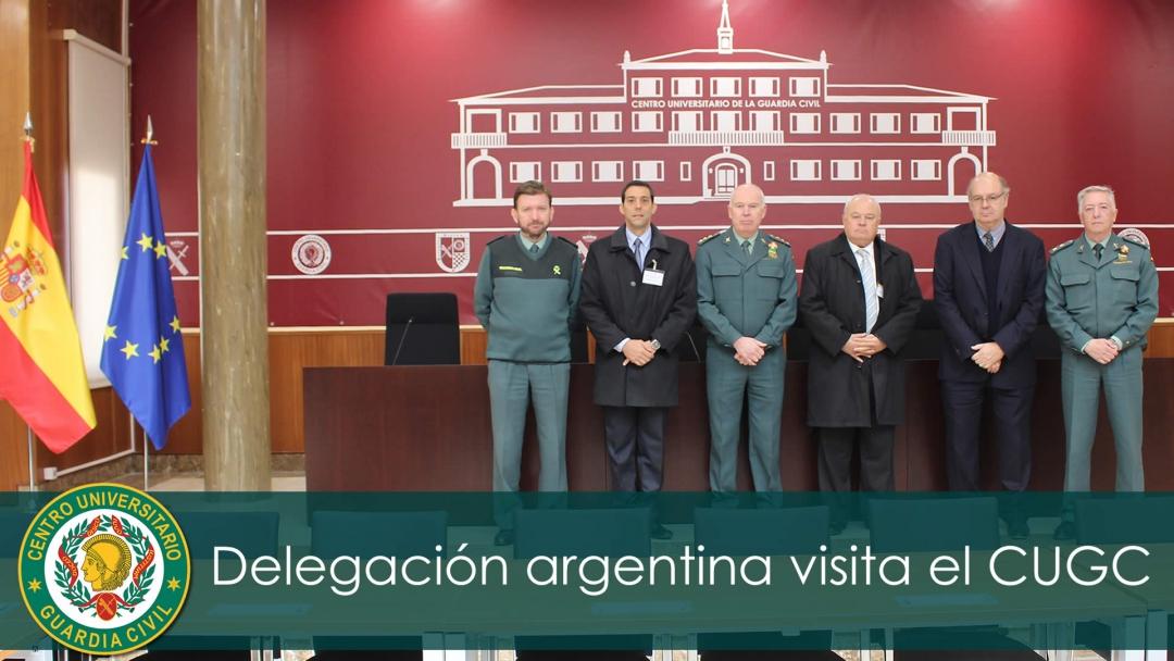 Marcelo Pérez junto a una delegación de Misiones visitaron el Centro Universitario de la Guardia Civil
